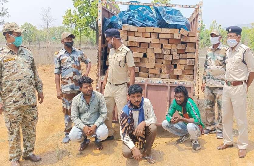 गश्त पर निकली पुलिस ने आधी रात पकड़ा 106 नग चिरान से भरा पिकअप, 3 आरोपी गिरफ्तार
