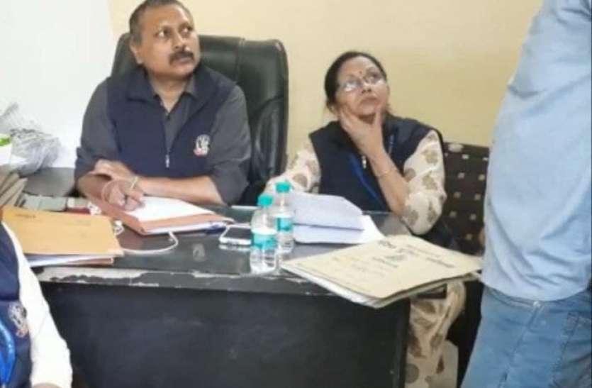 जल निगम का अधिशासी अभियंता 13 लाख रुपये रिश्वत लेते हुए रंगे हाथ गिरफ्तार