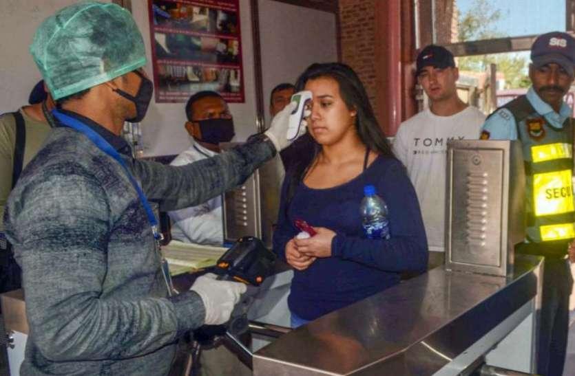 देश में कोरोना विस्फोट: 24 घंटों में 1.45 लाख से अधिक केस, 794 लोगों ने तोड़ा दम