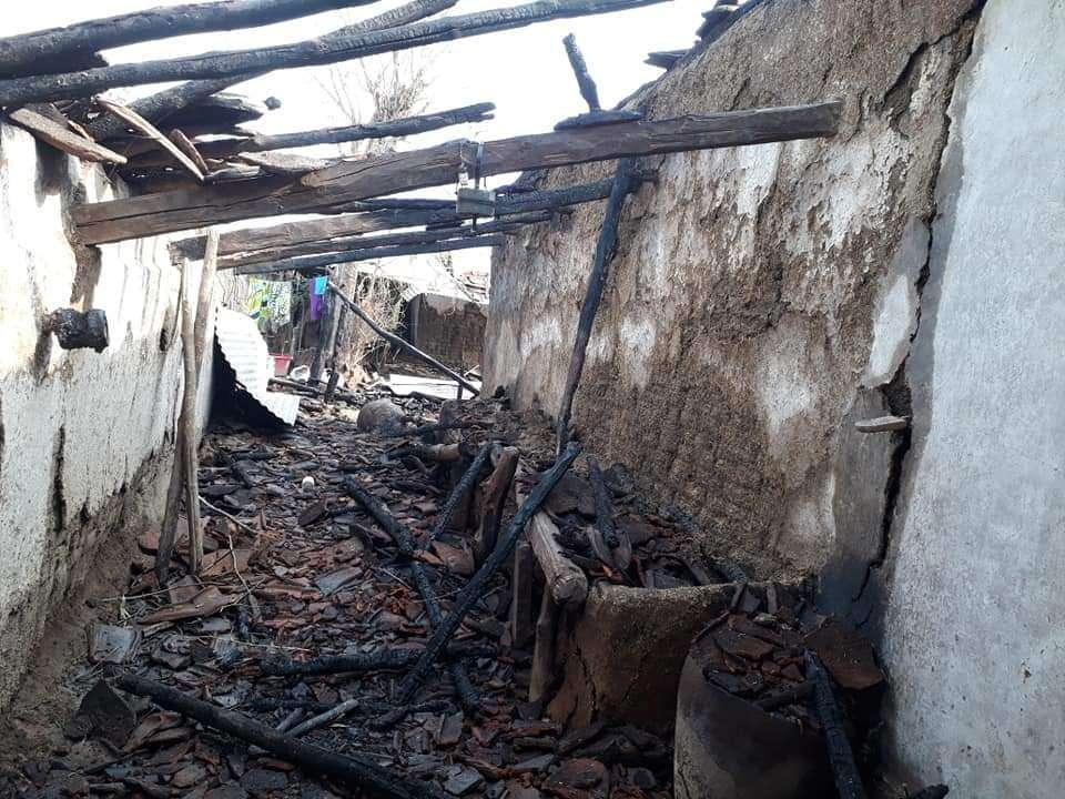 तेरहवीं की तैयारियों में लगे परिवार के छह मकान जलकर हुए खाक