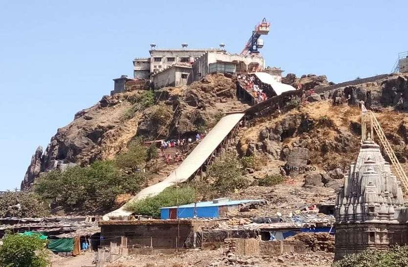 गुजरात में फिर बंद होने लगे धर्मस्थलों के कपाट
