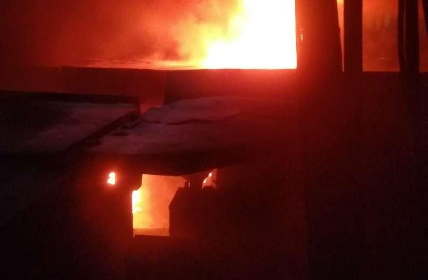 OMG भिलाई इस्पात संयंत्र में देर रात लगी आग, पुलपिट नंबर-7 जलकर खाक
