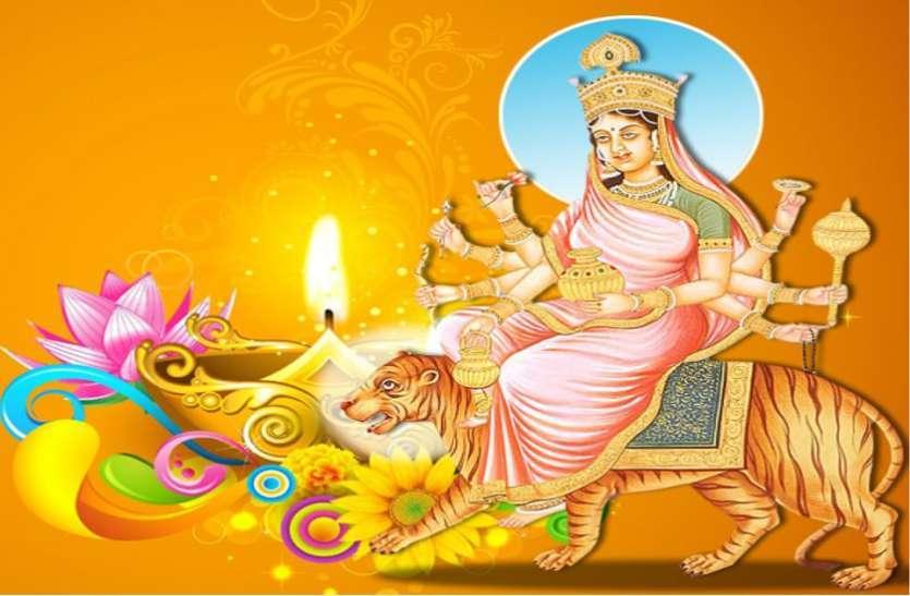 Navratri 2021 Day 4 Maa Kushmanda Puja सूर्य समान दैदीप्यमान हैं देवी कूष्मांडा, यश—बल की करती हैं वृद्धि, ऐसे प्राप्त करें कृपा