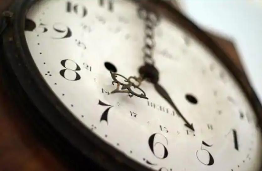 10 वर्ष बाद फिर चलना शुरू हुई 100 साल पुरानी नायाब घड़ी