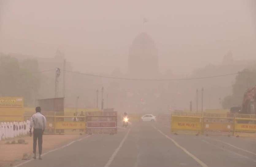 दिल्ली में धूलभरा तूफान, कई जगहों पर हल्की बारिश के साथ ओलावृष्टि भी