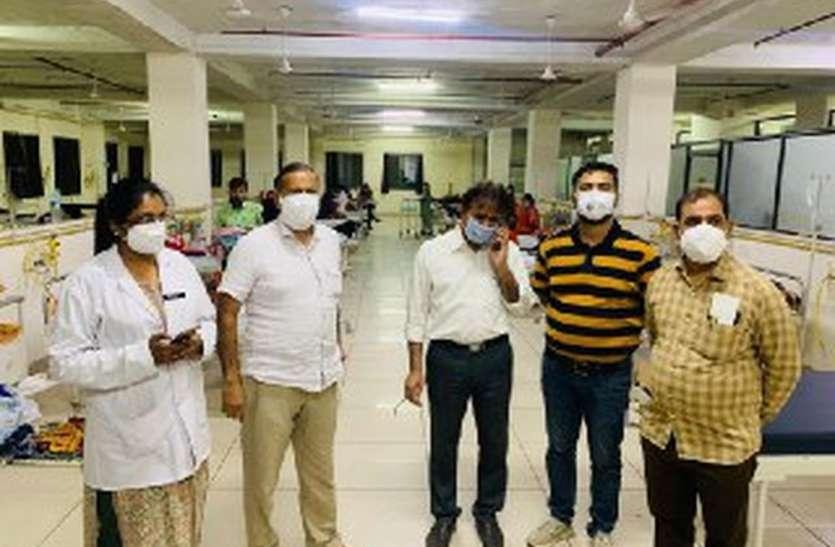 महामारी ने भर दिए सरकारी अस्पताल के पलंग