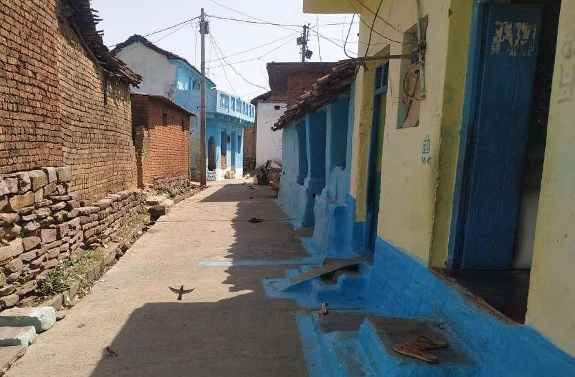 कोविड-19 संक्रमण गांव-गांव फैला, जिला अस्पताल में दो डॉक्टर और ढाई सौ से ज्यादा मरीज