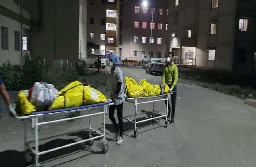 खंडवा में ऑक्सीजन की कमी से 11 की मौत, कलेक्टर पहुंचे अस्पताल