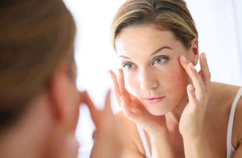 ज्यादा नमक और पानी की कमी से भी हो सकती है आंखों के नीचे सूजन