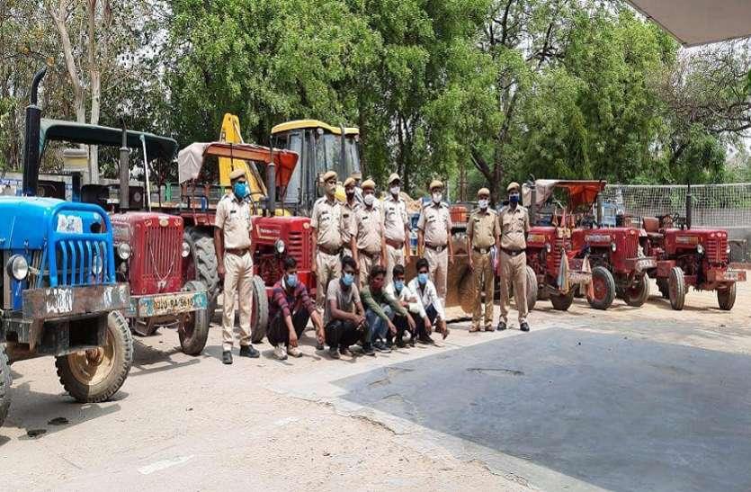 अवैध मिट्टी खनन नहीं रुका, पुलिस ने जेसीबी व ट्रैक्टर-ट्रॉली जब्त किए