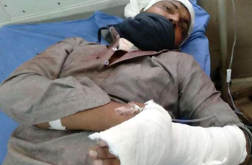 पारिवारिक विवाद के चलते युवक पर प्राणघातक हमला