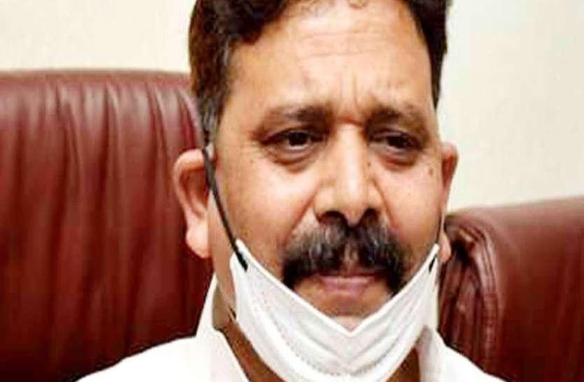 स्टाम्प मंत्री रवीन्द्र जायसवाल ने कोरोना से बचाव के लिए 1 करोड़ रुपए की धनराशि दी