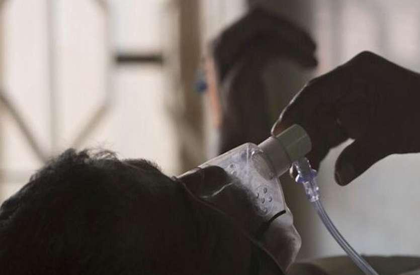 सरकारी अस्पतालों में भी गहराया ऑक्सीजन का संकट, गंभीर मरीज पर चार घंटे में एक जंबो सिलेंडर की खपत, 10 गुना अधिक बढ़ी मांग