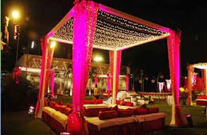 जिले में शादियों से जुड़े कारोबार को 15 करोड़ का फटका