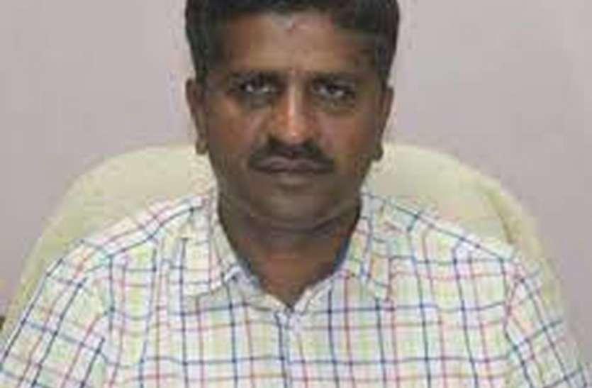 मुख्यमंत्री चिरंजीवी स्वास्थ्य बीमा में 30 अप्रेल तक पंजीकरण करवाएं- रतनू