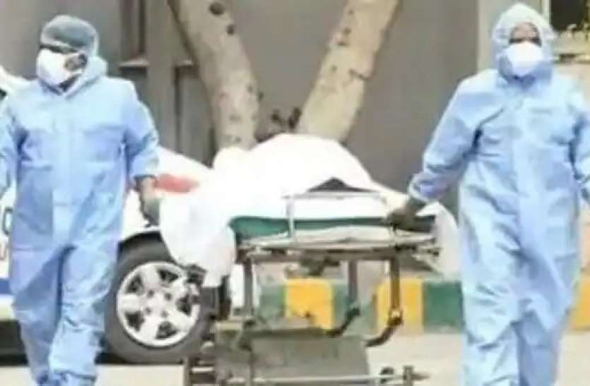 शर्मनाक! दिल्ली के बाद गाजियाबाद में भी कोविड संक्रमित बुजुर्ग को नहीं मिला इलाज, सड़क पर ही तोड़ा दम