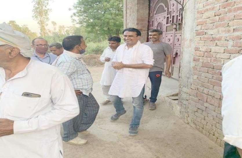Panchayat Chunav: पीएम मोदी स्टाइल में वोट मांग रहे प्रत्याशी, कोई दूधिया तो कोई लगाता है चाट का ठेला