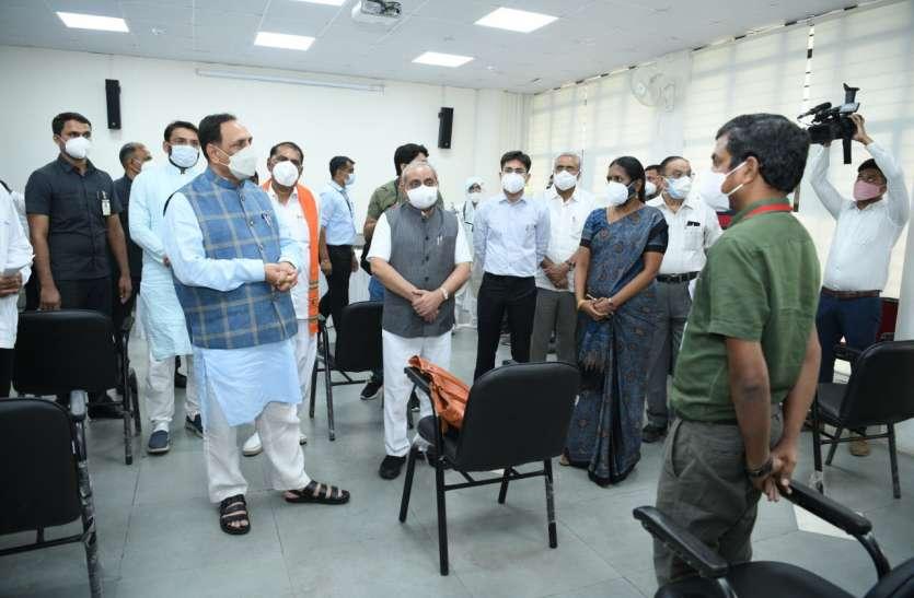 Gujarat: गुजरात में सभी निजी अस्पताल, क्लीनिक, नर्सिंग होम कर सकेंगे कोरोना मरीजों का इलाज