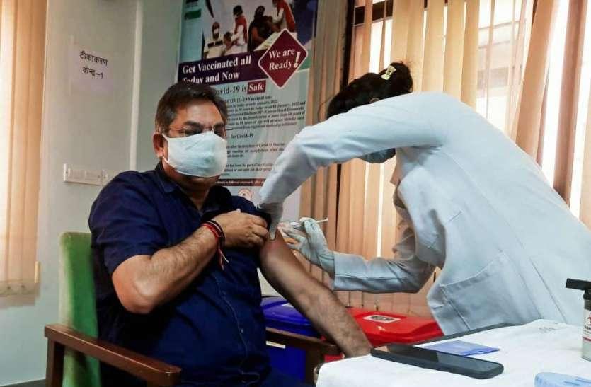 पूनियां की मुख्यमंत्री अशोक गहलोत से अपील, युवाओं को फ्री में लगाए वैक्सीन