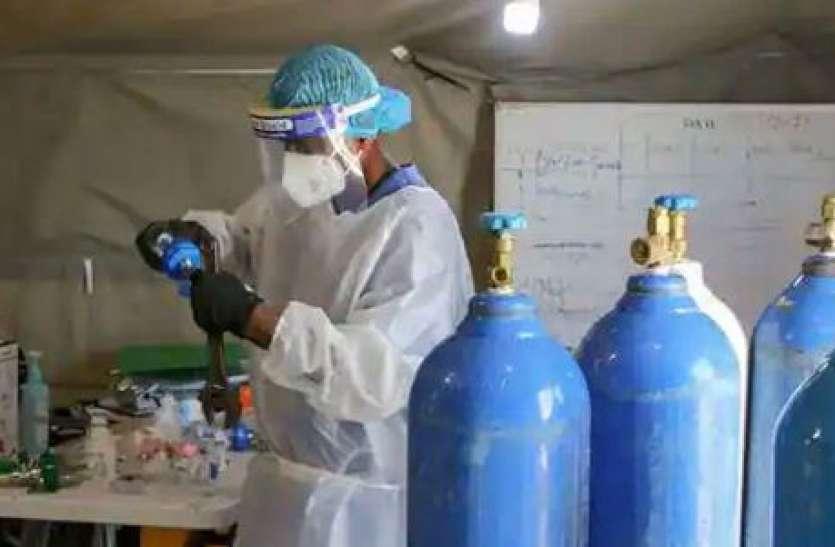 Delhi के जयपुर गोल्डन अस्पताल में तड़प रहे लोग, Oxygen की कमी ने ली 25 लोगों की जान