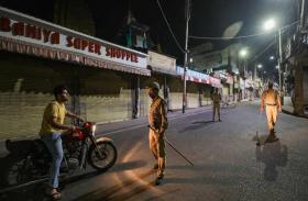 जम्मू-कश्मीर में आज रात आठ बजे से सोमवार सुबह 6 बजे तक लागू कोरोना कर्फ्यू