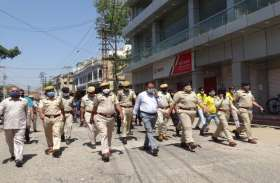 अलवर में कलक्टर और एसपी भारी लवाजमे के साथ सड़क पर उतरे, कोरोना को लेकर आमजन को जागरूक किया