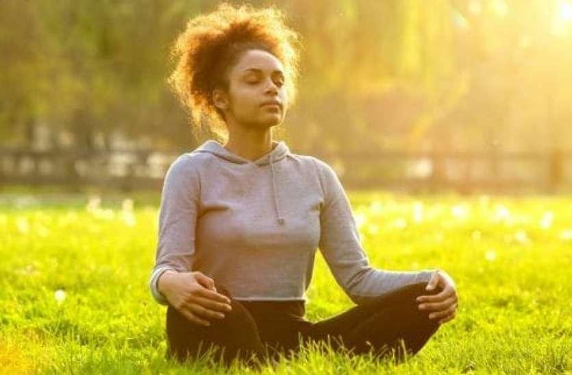 कोरोना काल में श्वसन तंत्र को मजबूत करना है तो हर दिन करें यह योग प्राणायाम