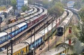 कोरोना के चलते एक बार फिर लगने लगा ट्रे्नों पर ब्रेक, भारतीय रेलवे ने इन गाड़ियों को किया रद्द