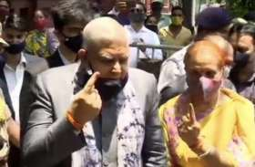 बमबाजी, बूथ पर जाने से रोकने के बीच बंगाल में वोटिंग