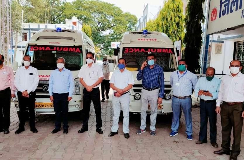 कोरोना से महामुकाबला: पावर प्लांट ने जिला अस्पताल की मदद में दिए दो एम्बुलेंस वाहन