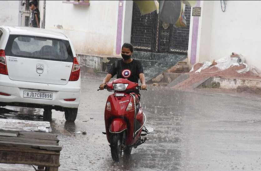 बारिश ने दी राहत, गांवों में ओले