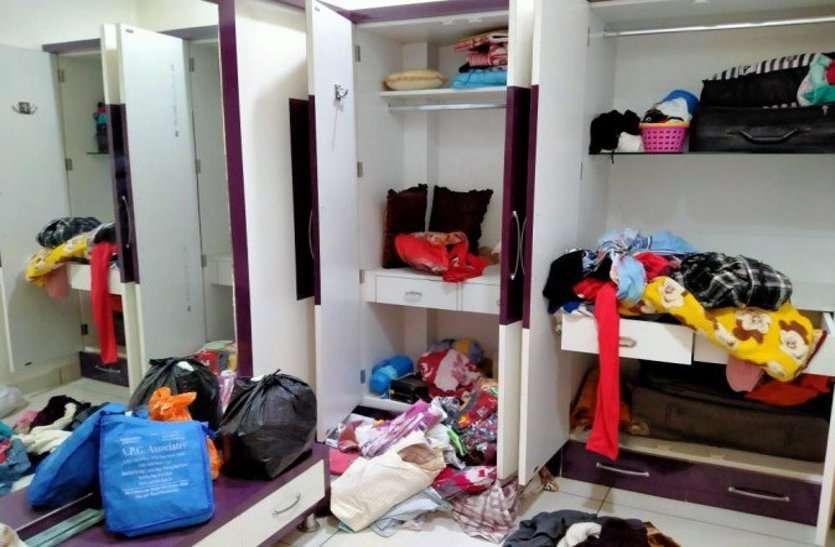 दुर्ग: लॉकडाउन में तेजी से बढ़ रही चोरी की घटनाएं, पुलिस सड़क पर इधर ताला तोड़कर घर में घुस रहे चोर, दहशत में लोग