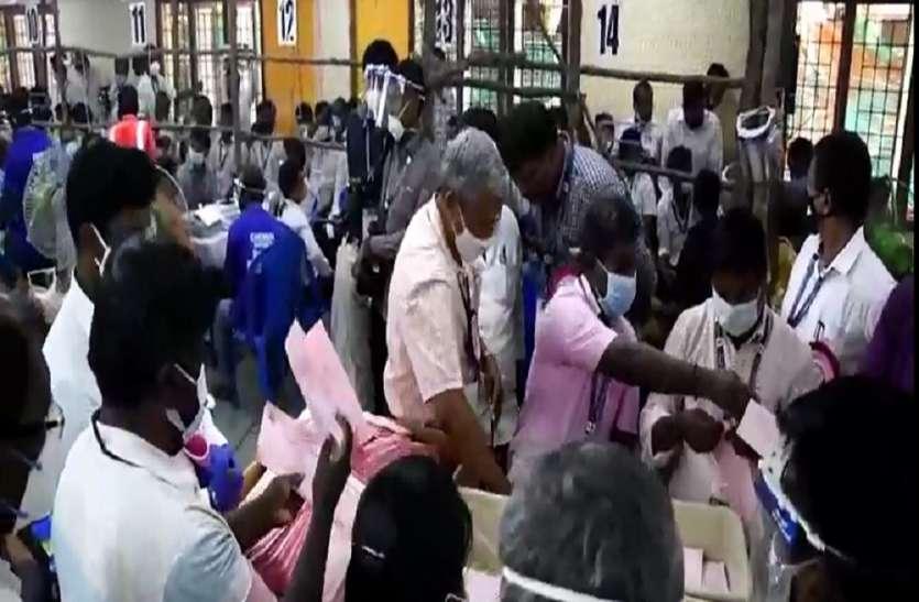 TN Assembly Election 2021 : शुुरुआती रुझानों में डीएमके गठबंधन130 से अधिक सीटों पर आगे