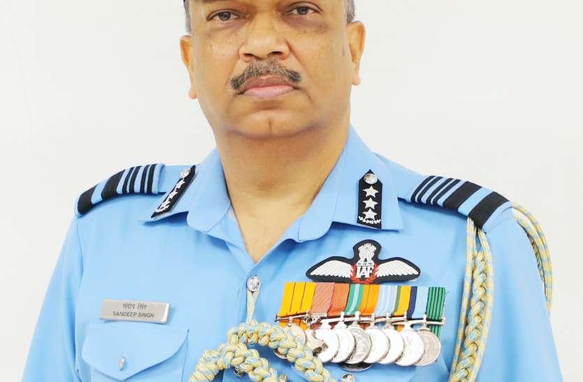 Gujarat: एयर मार्शल संदीप सिंह ने संभाली स्वैक की बागडोर