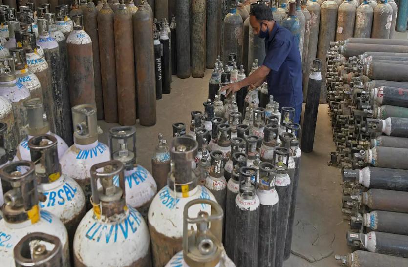 महाराष्ट्र में कोरोना महामारी के बीच बीएमसी का बड़ा फैसला, मुंबई में लगाएगी दो ऑक्सीजन प्लांट