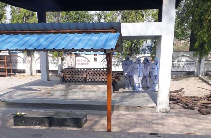 अंबिकापुर में 5 और कोरोना संक्रमितों की मौत, 214 पहुंचा आंकड़ा, इधर कोविड वार्ड में गूंजी किलकारी