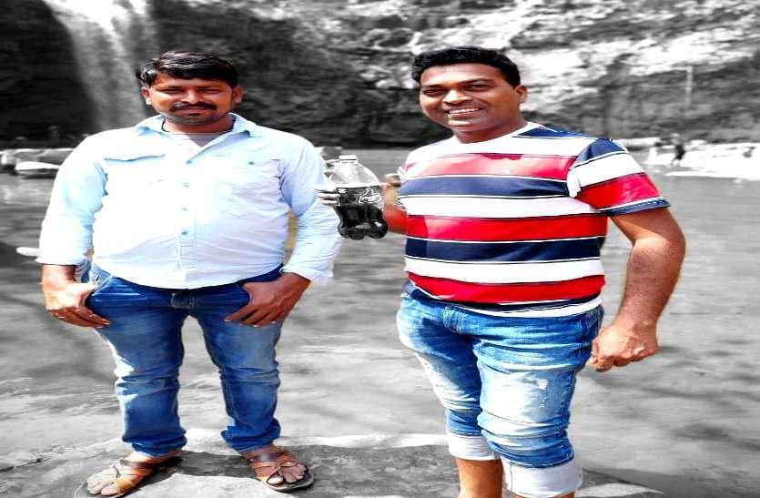 दरियादिली : कोरोना संक्रमित ड्राइवर को तड़पते देख पसीजा अधिकारी का दिल, 1 लाख रुपए देकर बचाई जान
