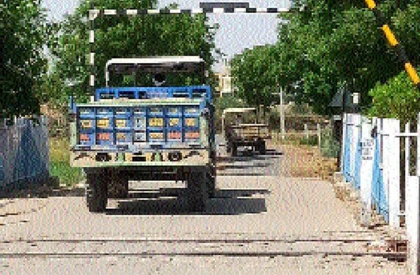 धड़ल्ले से हो रहा अवैध बजरी का परिवहन