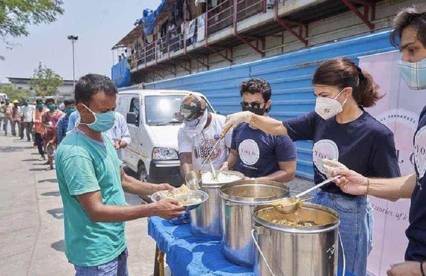 जरुरतमंदों को खाना खिलाते हुए एक्ट्रेस ने शेयर की तस्वीरें, लोगों की मदद के लिए लॉन्च किया 'योलो' फाउंडेशन