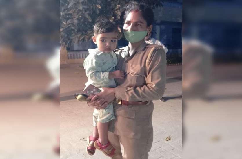 Mother's Day 2021 : कोरोना संक्रमण के खतरे के बीच मां और ड्यूटी दोनों का फर्ज निभा रही फ्रंट लाइनर