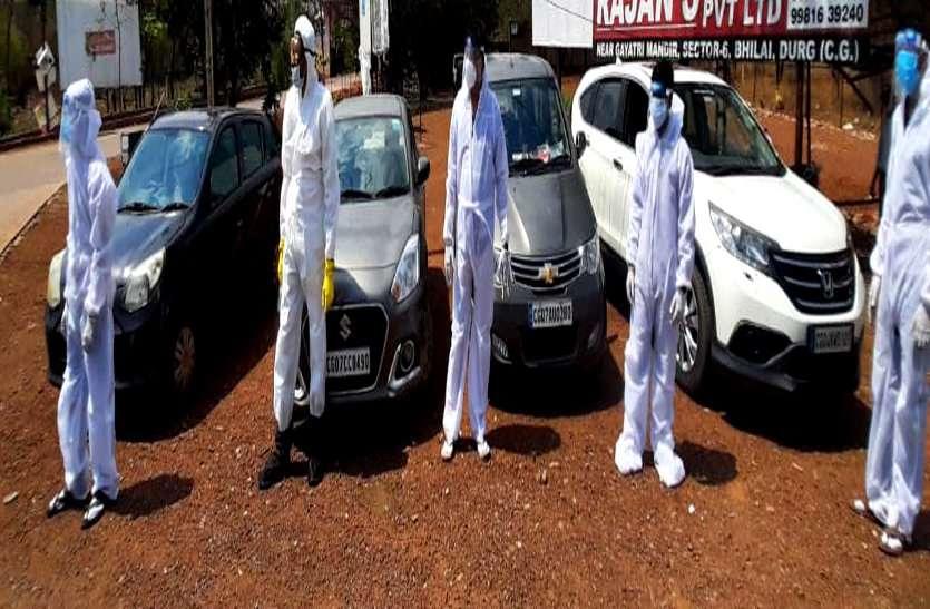 भिलाई के 6 दोस्तों ने मिलकर अपनी लग्जरी कारों को बनाया एंबुलेंस, एक कॉल पर कोरोना मरीजों को पहुंचा रहे अस्पताल