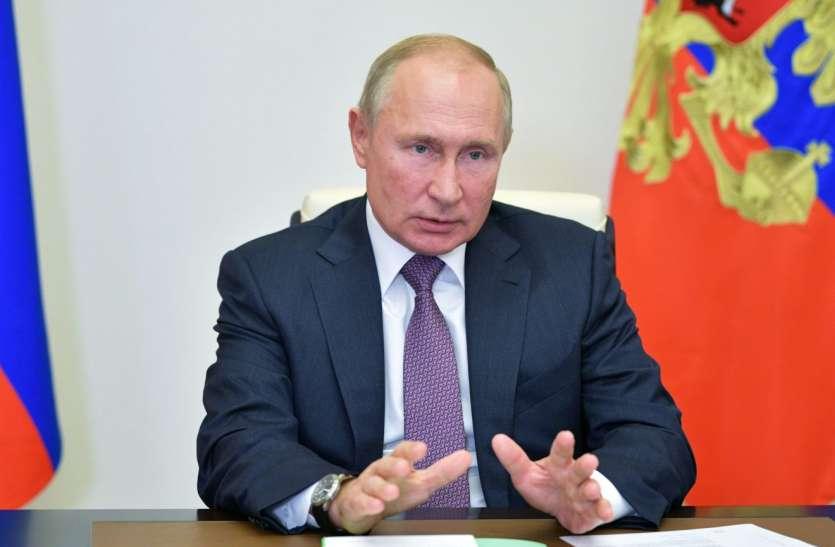 रूस के राष्ट्रपति पुतिन ने स्पूतनिक वैक्सीन की तुलना AK-47 से की, कहा- पूरी तरह से सुरक्षित और भरोसेमंद