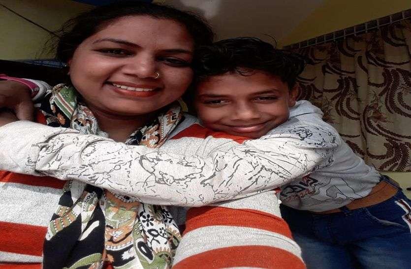 विषम परिस्थितियों से लडऩे के बाद बेटे की बेहतरी बना लिया जीवन लक्ष्य