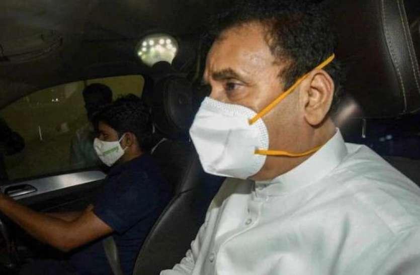इंफोर्समेंट डायरेक्ट्रेट ने महाराष्ट्र के पूर्व गृहमंत्री देश्मुख के खिलाफ केस दर्ज किया