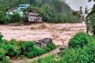 Uttarakhand: टिहरी में बादल फटा, कई दुकानें और मकान क्षतिग्रस्त
