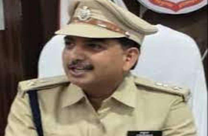 एसपी के इस आदेश को पुलिसकर्मियों ने दिखाया ठेंगा, एक एसआई समेत 15 पुलिसकर्मी निलंबित