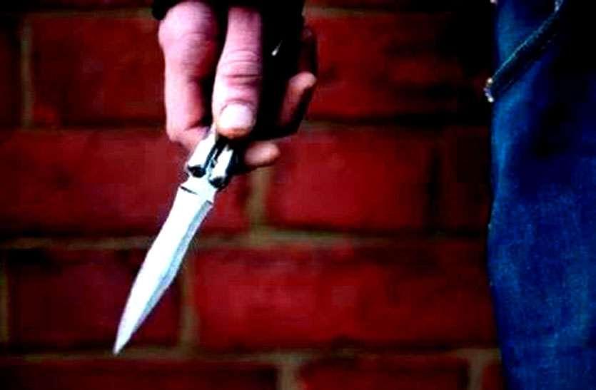 वाट्सऐप ग्रुप में कमेंट से भड़के 10 वीं के छात्र ने पॉलिटेक्नीक छात्र के पेट में 14 इंच का चाकू घोपा, ICU में भर्ती
