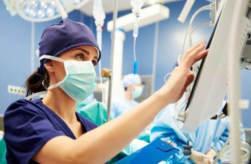 International Nurses Day : 'डॉक्टर से ज्यादा नर्स की जरूरत, उनके बिना इलाज संभव नहीं'