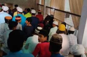 प्रतिबंध के बाद भी आधा दर्जन मस्जिदों में अता हो रही थी नमाज, पुलिस ने दी दबिश