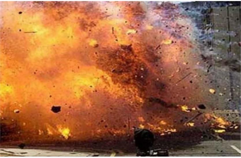 Pakistan: कराची में ग्रेनेड अटैक में चार बच्चों समेत 10 लोगों की मौत